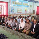 نماز وحدت مسئولین شهرستان کارون با دانش آموزان یتیم برگزار شد