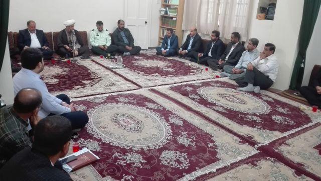 گزارش تصویری/دیدار مدیران دستگاه های اجرائی باامام جمعه کارون به مناسبت هفته دولت