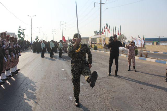 رژه باشکوه نیروهای مسلح شهرستان کارون