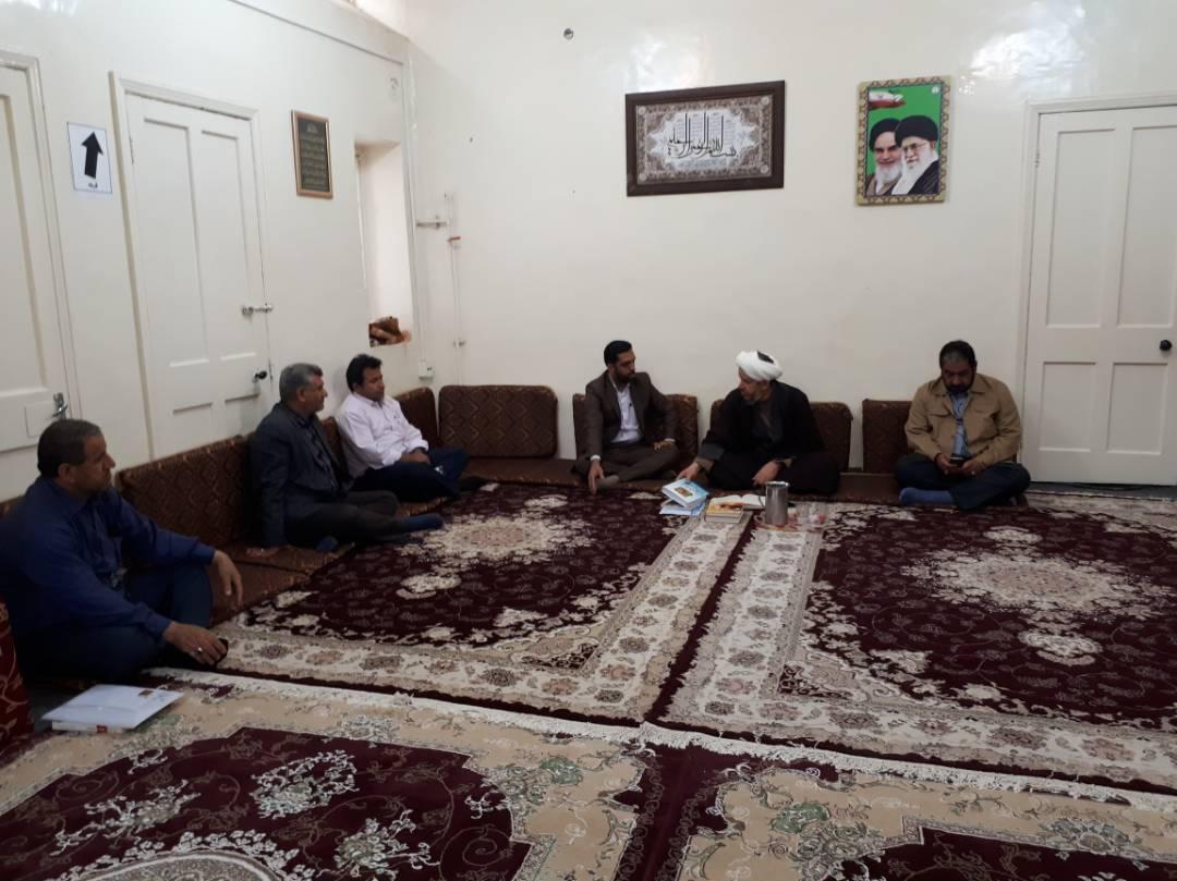 دیدار مسئول و پرسنل اداره ارشاد اسلامی با امام جمعه کارون