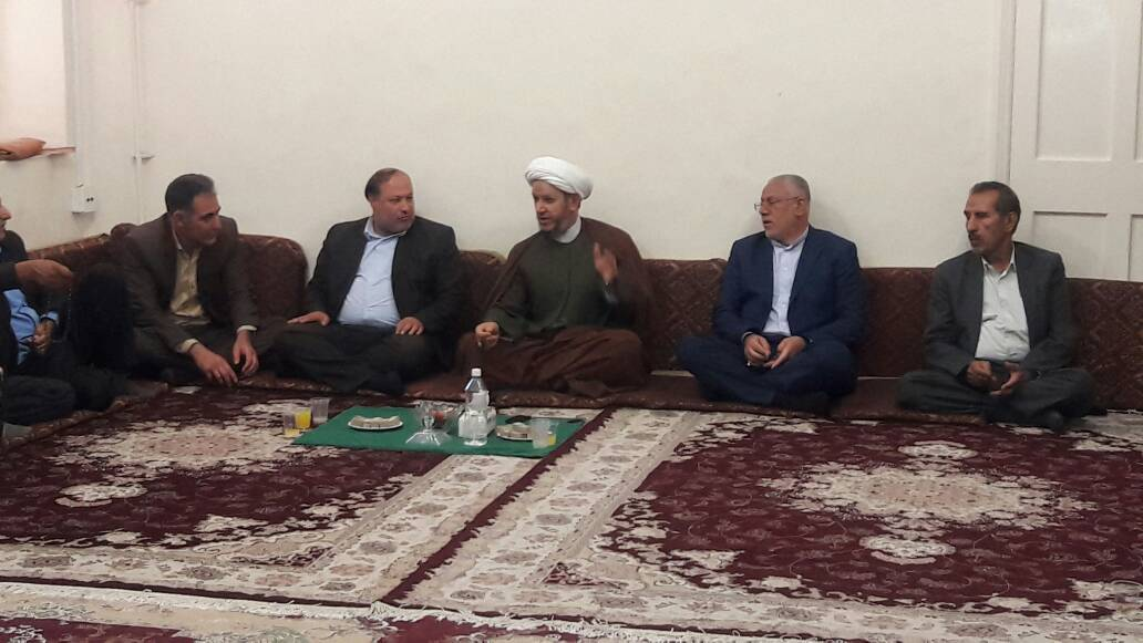 دیدار عیدانه مردم و مسئولین شهرستان با امام جمعه کارون