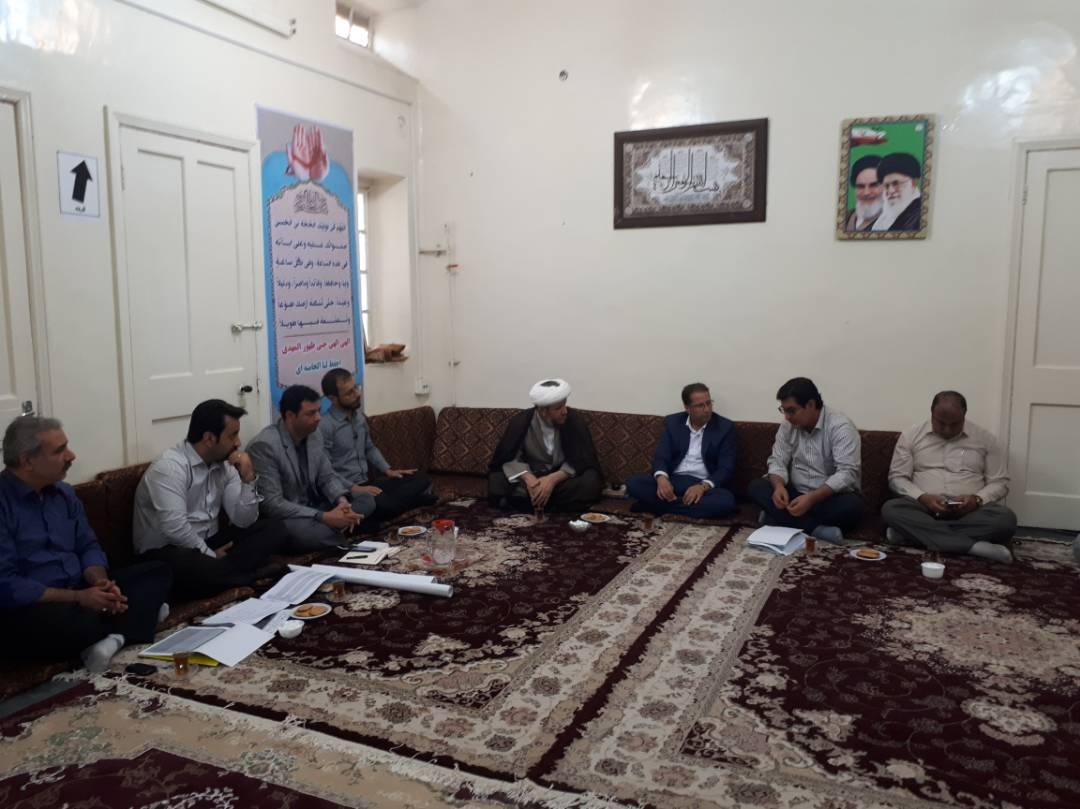 دیدار مسئولین اداره آب و فاضلاب اهواز با امام جمعه کارون