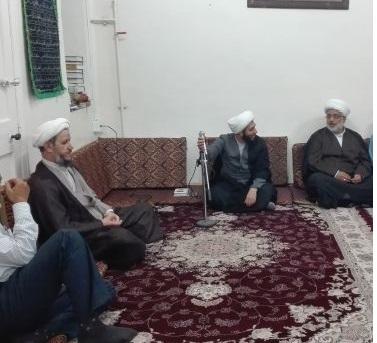 نشست معتمدین و علماء شهرستان با امام جمعه کاورن