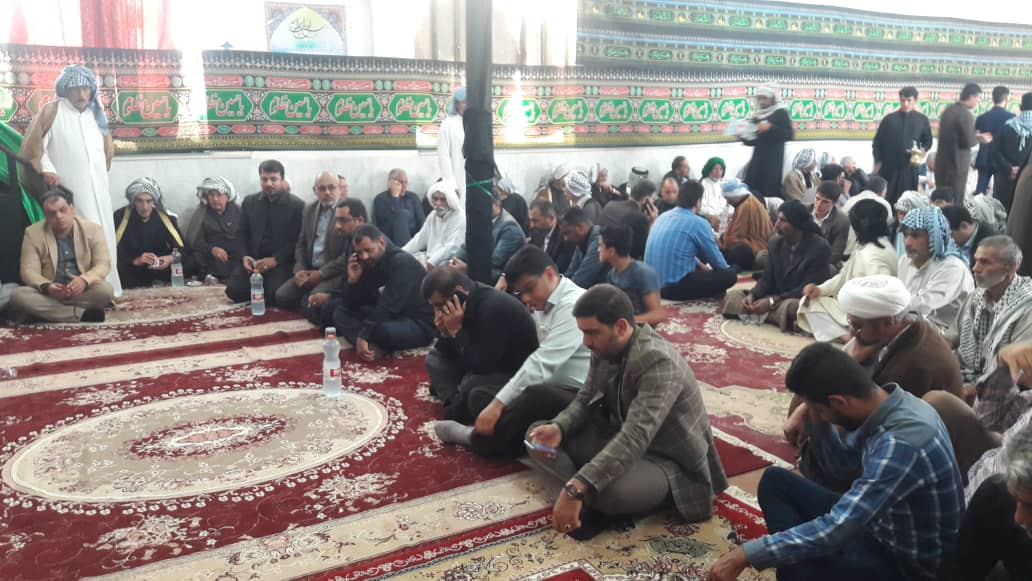 گزارش تصویری/دیدار امام جمعه و مسئولین کارون با خانواده شهید حادثه تروریستی در اهواز