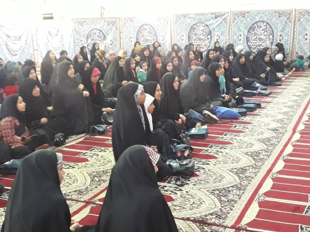 جشن میلاد حضرت زینب (س) و بزرگداشت روز پرستار در شهرستان کارون برگزار شد.