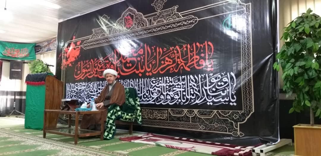 به مناسبت ایام فاطمیه مراسم سخنرانی و روضه خوانی در شرکت سلمان فارسی برگزار شد
