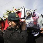مراسم تشییع پیکر سرباز شهید نجم الدین باوی در شهرستان کارون برگزار شد