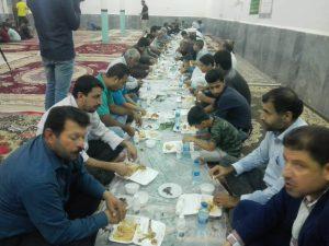 مراسم افطاری به مستمندان جنگیه