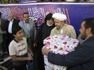 گزارش تصویری/تجلیل از خانواده شهید مدافع حرم سجاد باوی در نماز جمعه