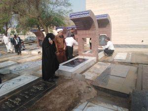 غبار روبی مزار شهدای شهرستان کارون بمناسبت هفته دولت