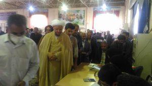 گزارش تصویری/حضور امام جمعه کارون در پای صندوق رای