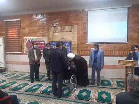 تجلیل از خانوادههای شهدای مدافع حرم