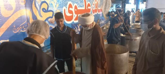بازدید امام جمعه کارون از محل پخت و توزیع 14 هزار پرس غذا در شهرستان