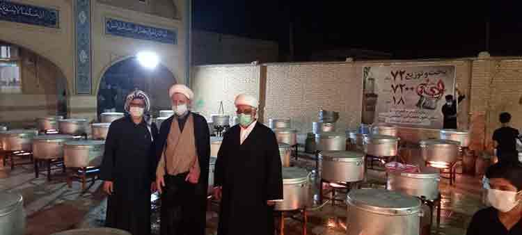 بازدید امام جمعه از محل پخت و پز بیش از 7000 پرس غذای گرم درحوزه علمیه امیرالمومنین